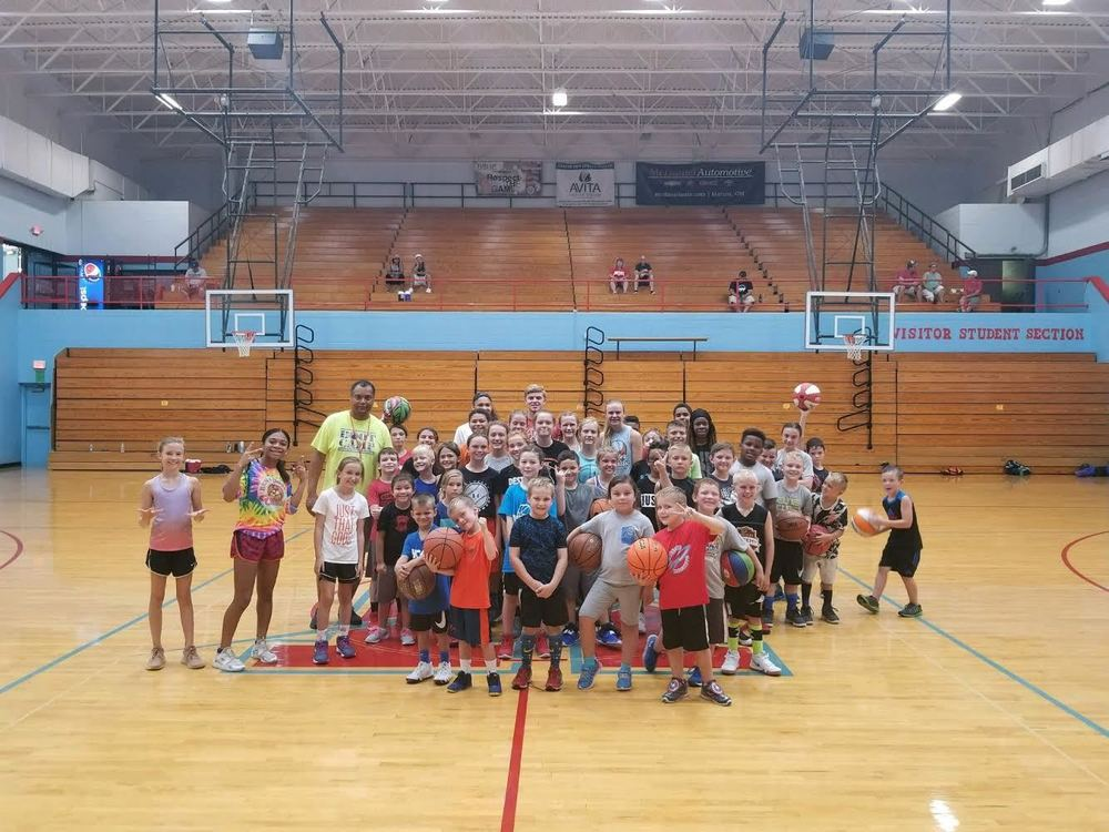 Ridgedale Hosted a Jamie Skelton Basketball Clinic