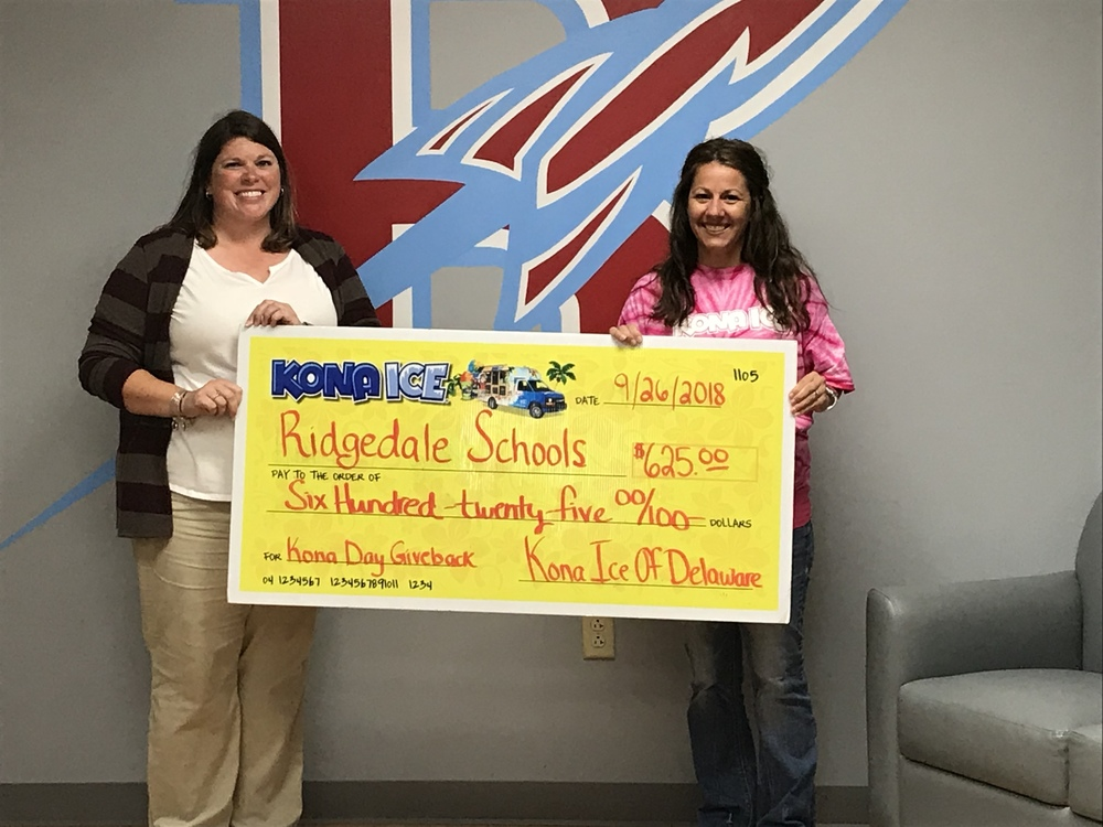 Kona Ice Presents Ridgedale with a Check
