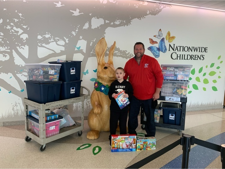 Lincoln delivery toys to NCH